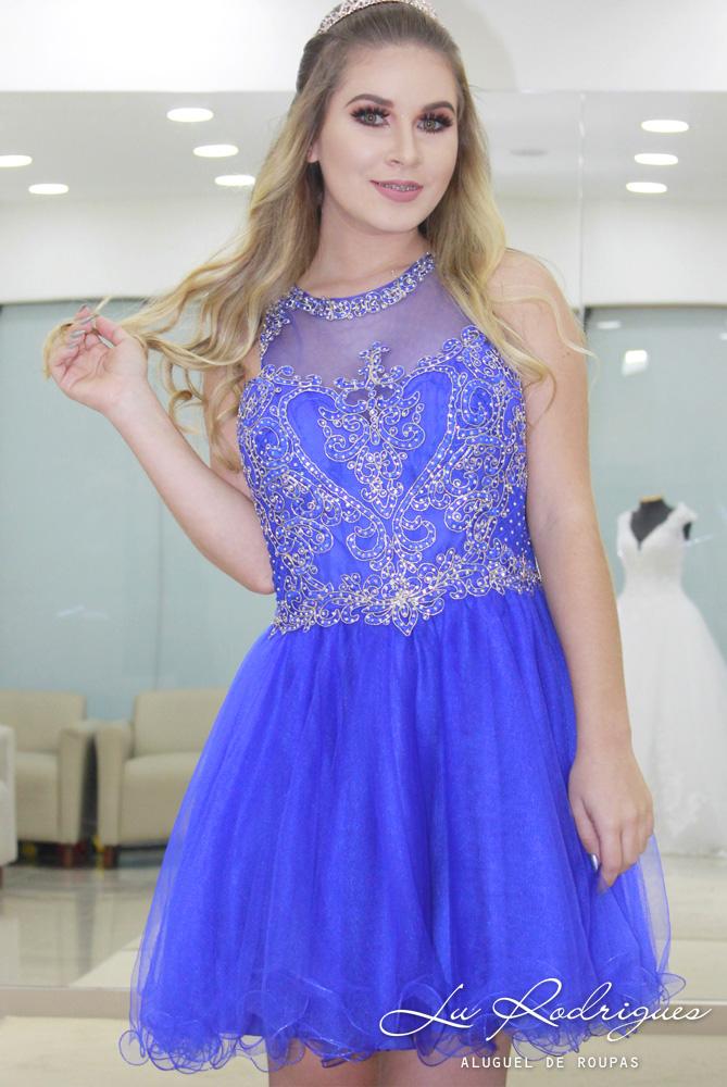 Vestido curto azul com brilho